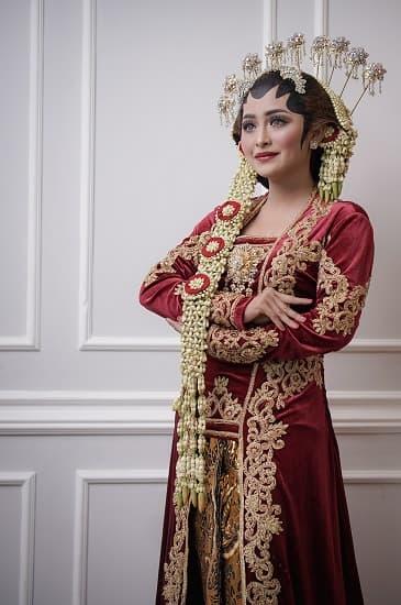Make up Pernikahan Adat Jawa