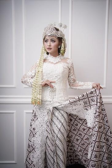 Make up Pernikahan Adat Sunda
